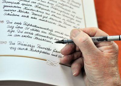 schreibende_Hand_von_Otto_Muench